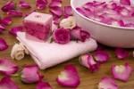 Ceremonie s růžovými květy